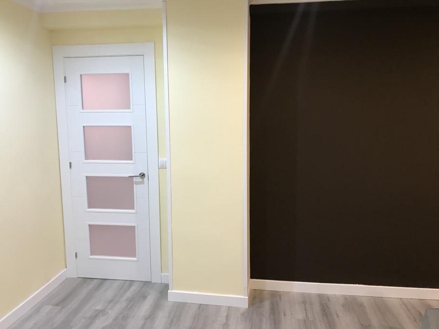 Nuevas puertas, suelo, pintura
