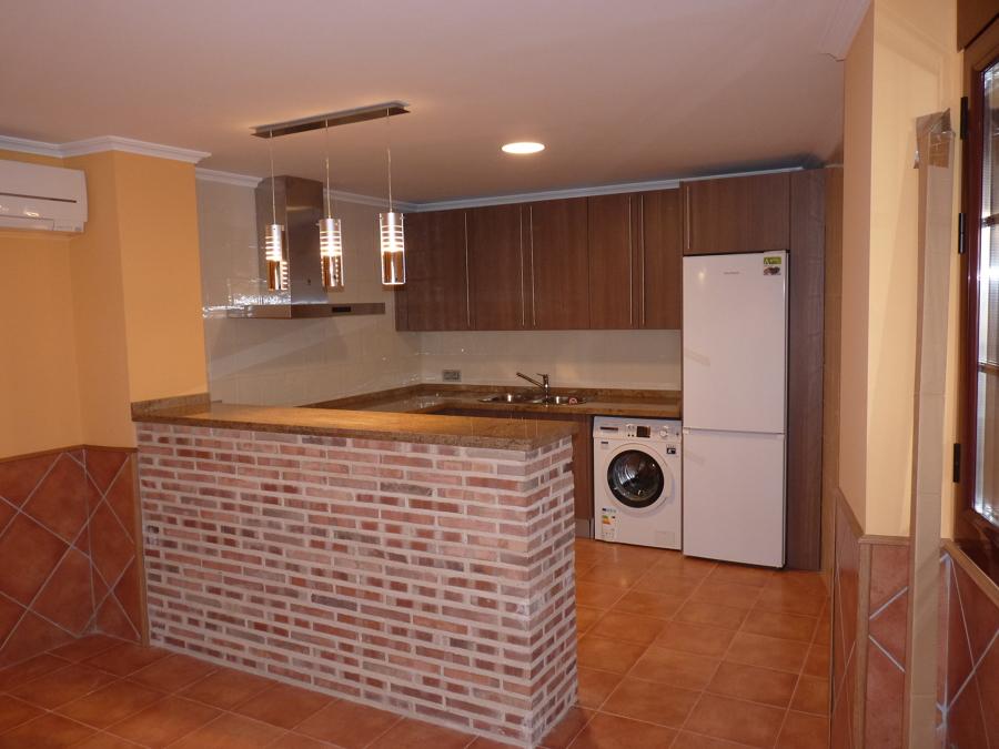 Foto oficce cocina campera de nunvela obras sl 930716 - Cocinas de obra ladrillo visto ...