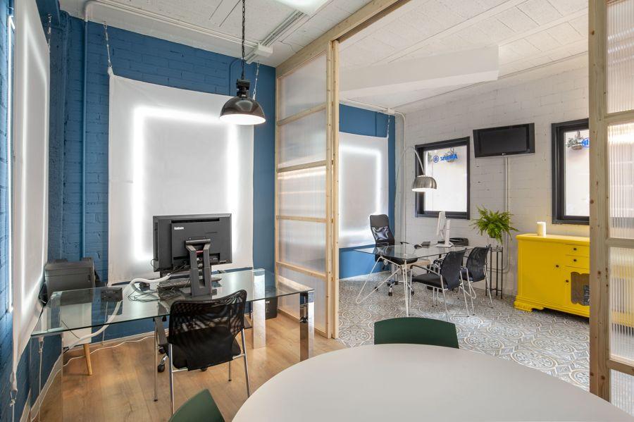 Oficina con 3 ambientes