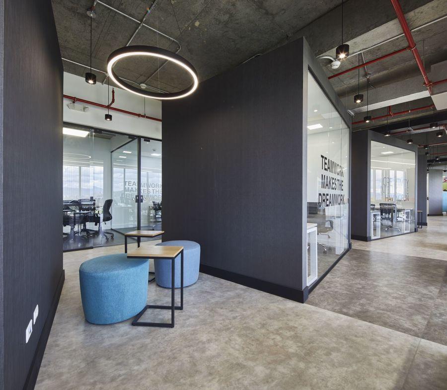 Oficina de estilo contemporáneo