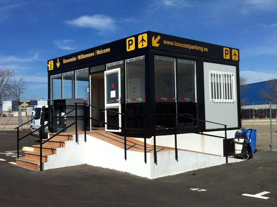 Conjunto modular acristalado oficina ventas ideas for Construccion de oficinas modulares