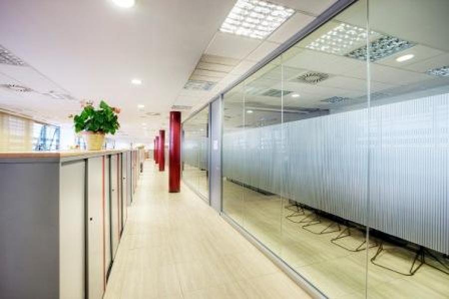 Plataforma Log Stica Y Edificio De Oficinas En Zal De