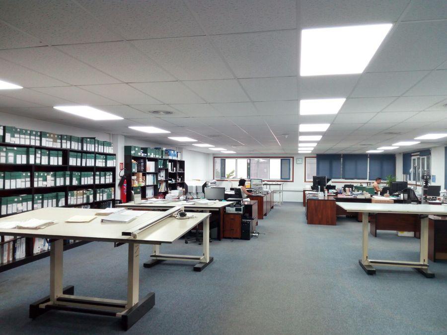 Oficinas paneles LED