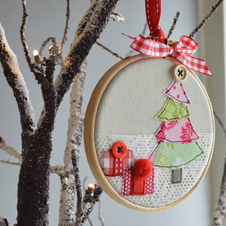 original_emroidery-hoop-christmas-tree-bauble