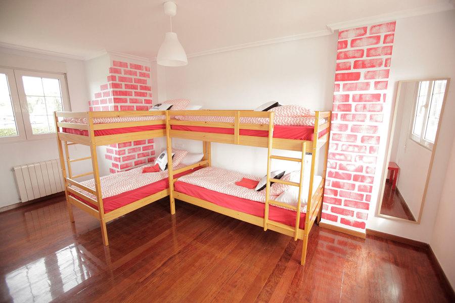 Habitación con baño reformada