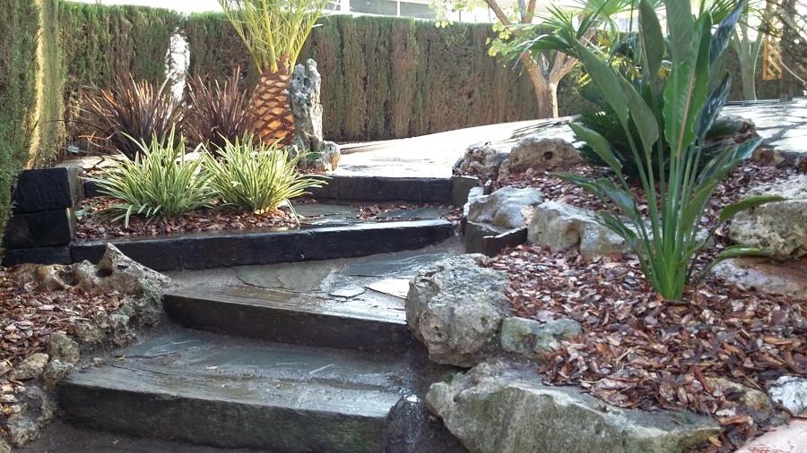 Otra perspectiva del acceso al jardín