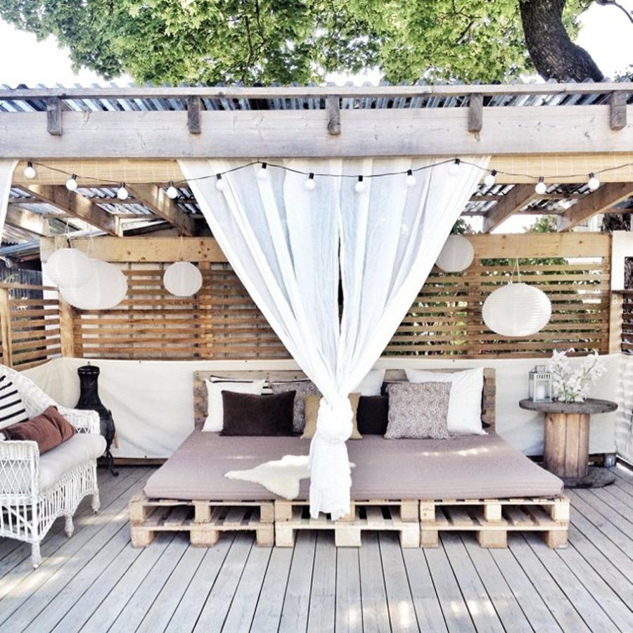 eres fan de los palets mira todo lo que puedes hacer para tu terraza ideas decoradores. Black Bedroom Furniture Sets. Home Design Ideas