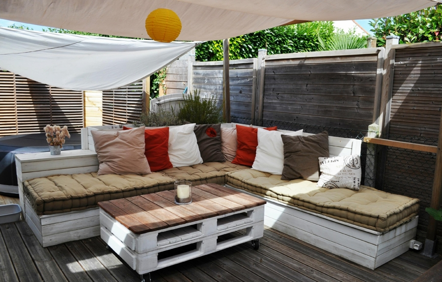 Eres fan de los palets mira todo lo que puedes hacer for Sofa chill out exterior