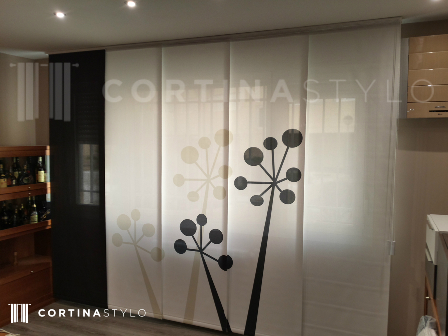 Instalaci n de cortinas de impresi n digital ideas decoradores - Fotos panel japones ...