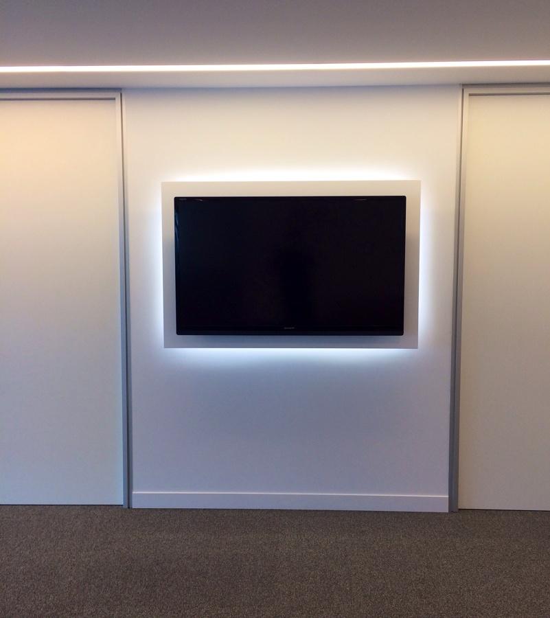 Panel tv