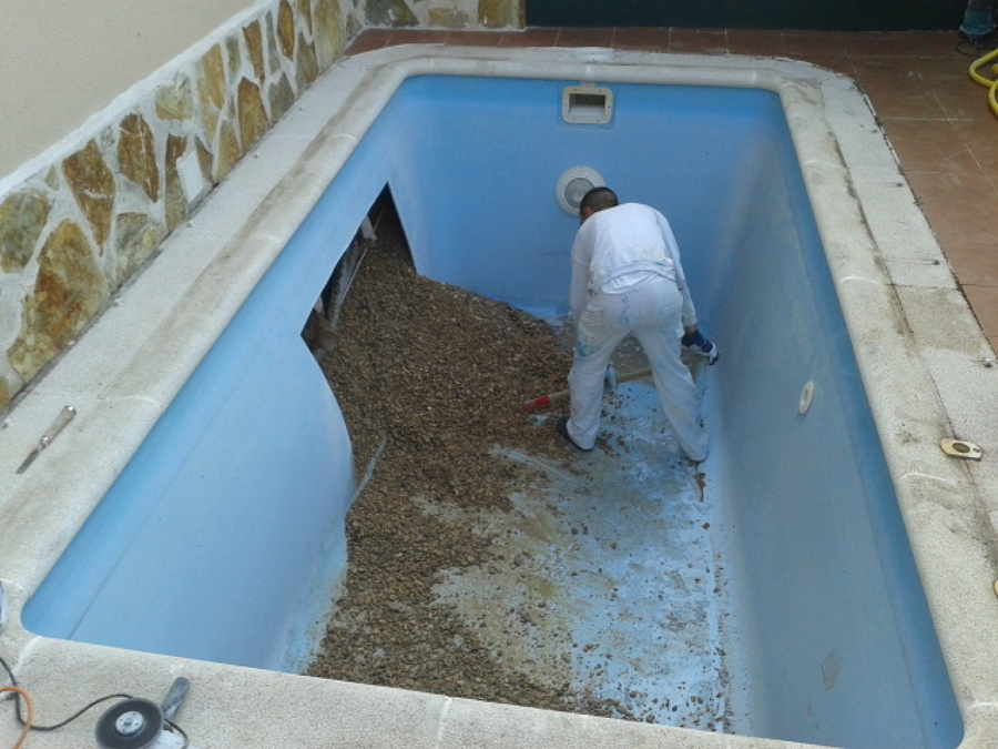 Reparacion pared piscina de poliester ideas reformas for Piscinas de poliester