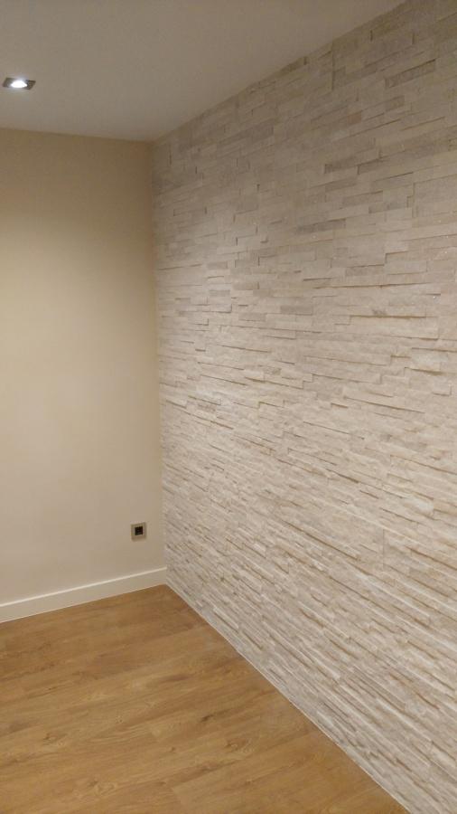 pared piedra en reforma piso