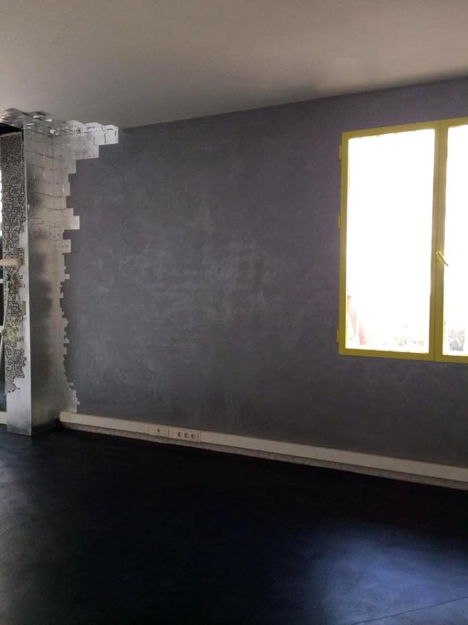 La pared efecto seda con pan de plata