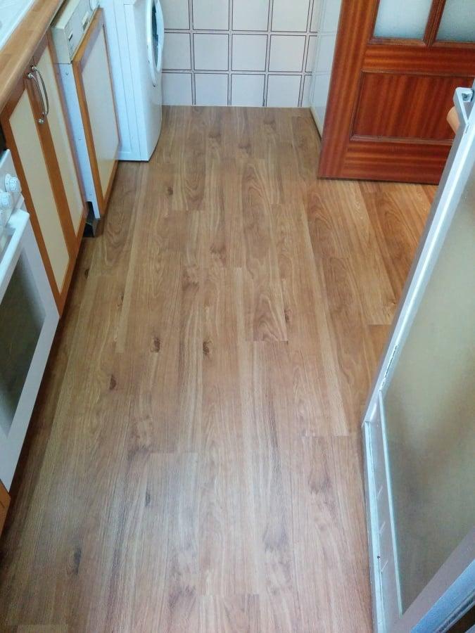 Foto parquecite s l suelo de vinilo para cocinas y - Suelo vinilico para exterior ...