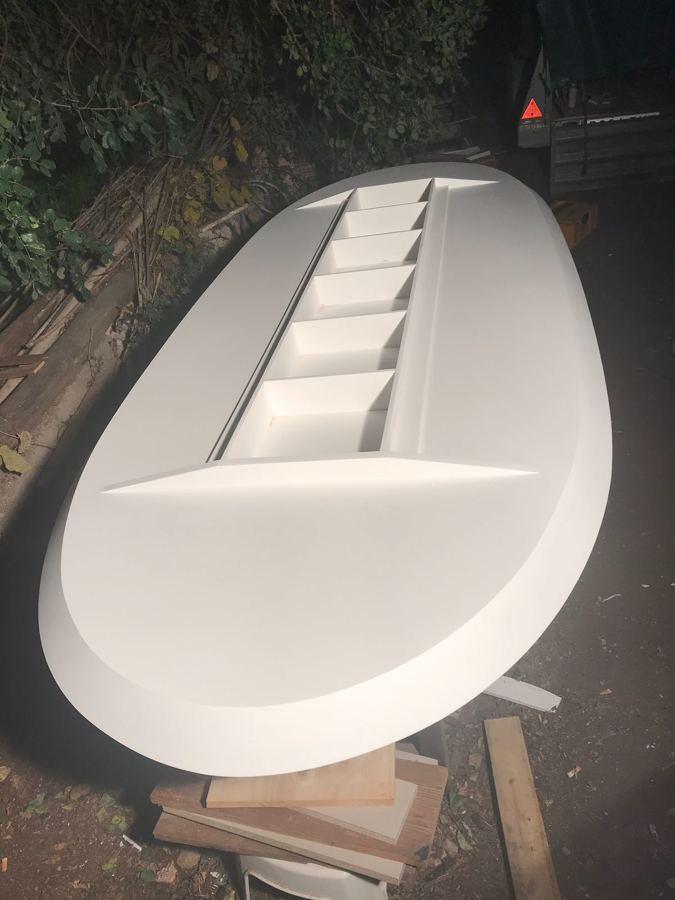 Parte inferior de la mesa reforzada