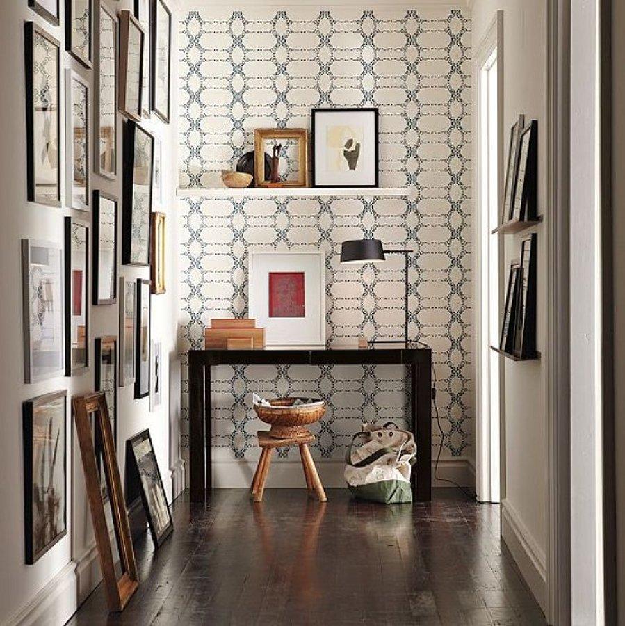 C mo exponer obras de arte en tu casa ideas decoradores for Decoracion para entradas recibidores