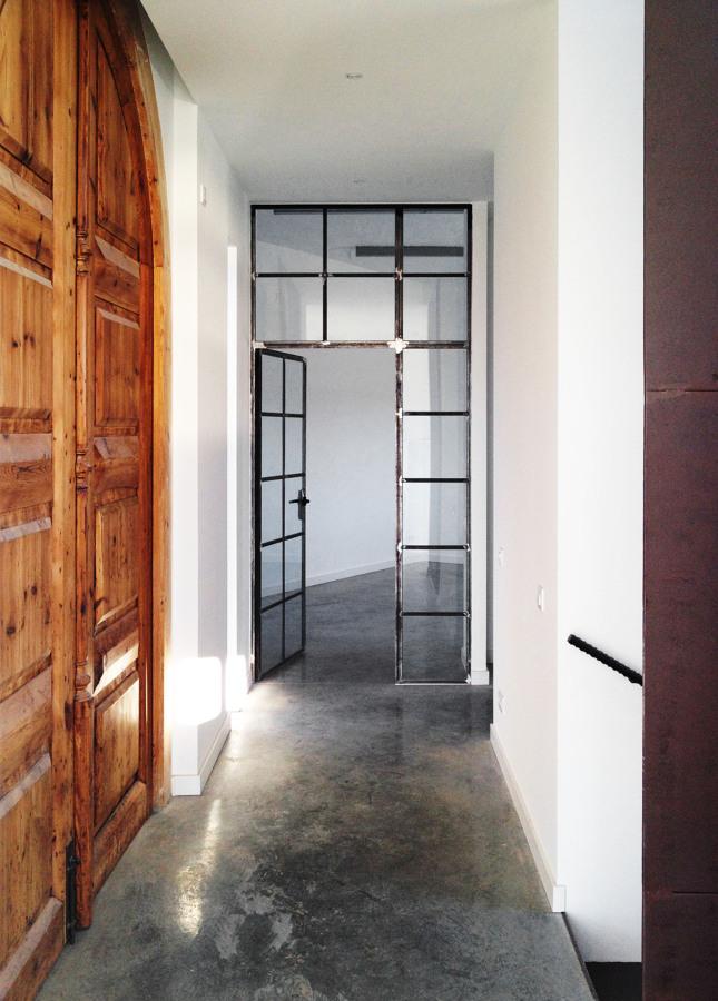 Pasillo de entrada - Casa A | 08023 Arquitectos - Barcelona