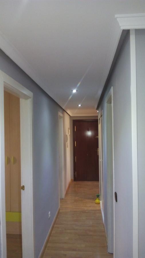 Alisado de pasillo paredes y techos con moldura de - Techos de escayola modernos ...