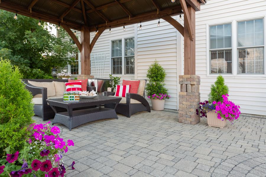 patio con pérgola de madera