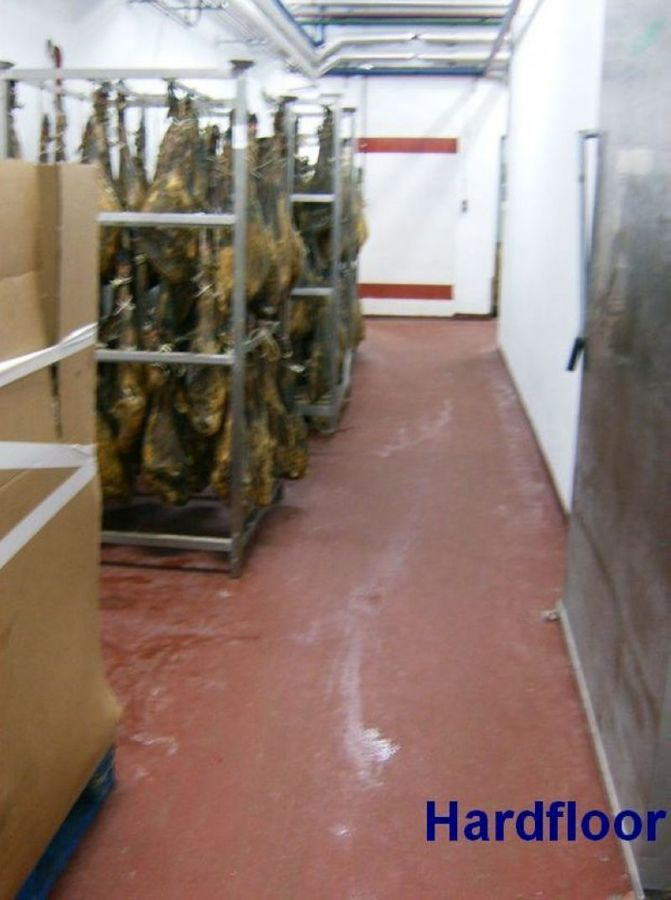 pavimento antideslizante epoxi en bodega jamones