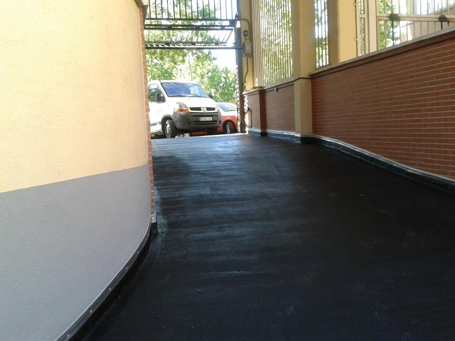 Foto pavimento asf ltico de rampa de garaje de rosfer - Rampas de garaje ...