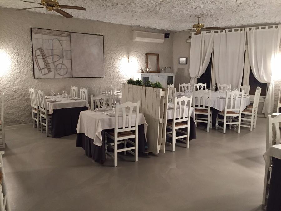 Pavimento continuo Salon Restaurante