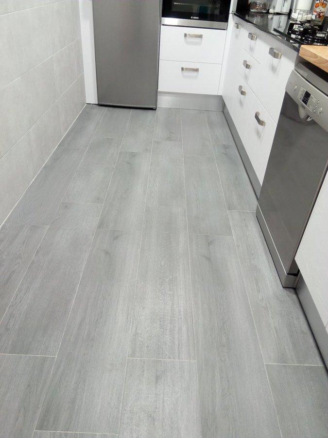Foto pavimento de gres imitaci n parquet de emcoprom s l 1176626 habitissimo - Suelos imitacion parquet ...