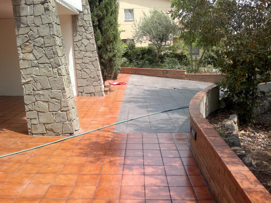 Foto pavimento hormig n impreso porcel nico para for Pavimento de hormigon tarragona