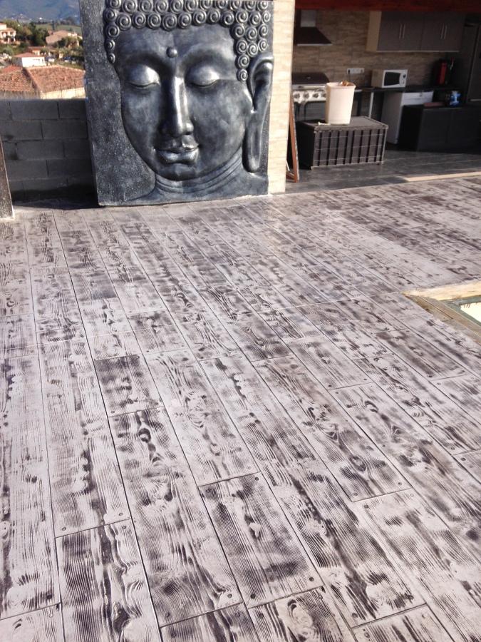 pavimento de hormig n impreso en imitaci n madera ideas