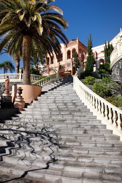 Pavimentos y escaleras