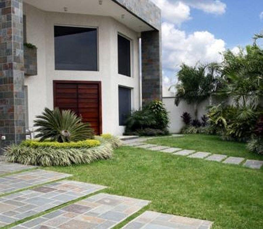 Pavimentos de piedra ideas pavimentos continuos for Patios exteriores de casas