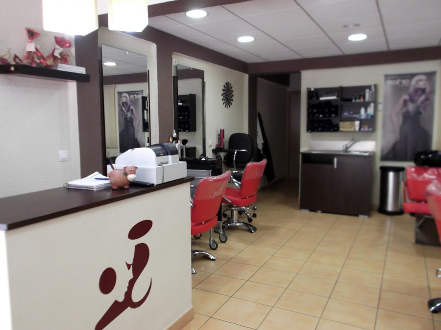Peluqueria maria ideas reformas locales comerciales - Interiores de peluquerias ...