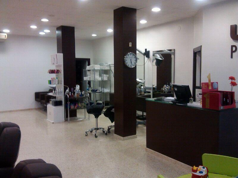 Pintar peluquer a ideas pintores - Como amueblar una peluqueria ...