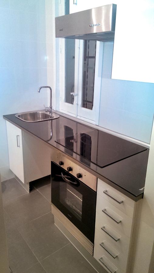 Frente de cocina en espacio reducido
