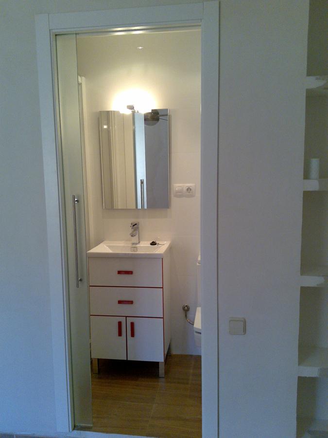 Foto peque o ba o de area 3 estudio de interiorismo - Interiorismo banos pequenos ...