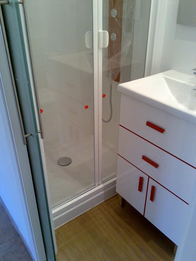 Foto peque o mueble de lavabo de area 3 estudio de - Mueble lavabo pequeno ...