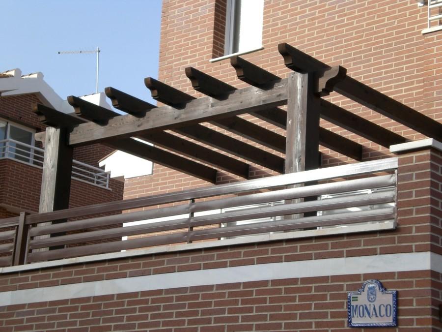 Foto p rgola con estructura de madera de conely 1189392 - Pergolas de madera valencia ...