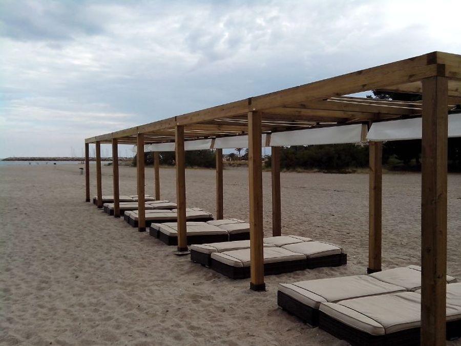 Foto pergolas de madera en la playa de toldos p rgolas - Pergolas de madera valencia ...