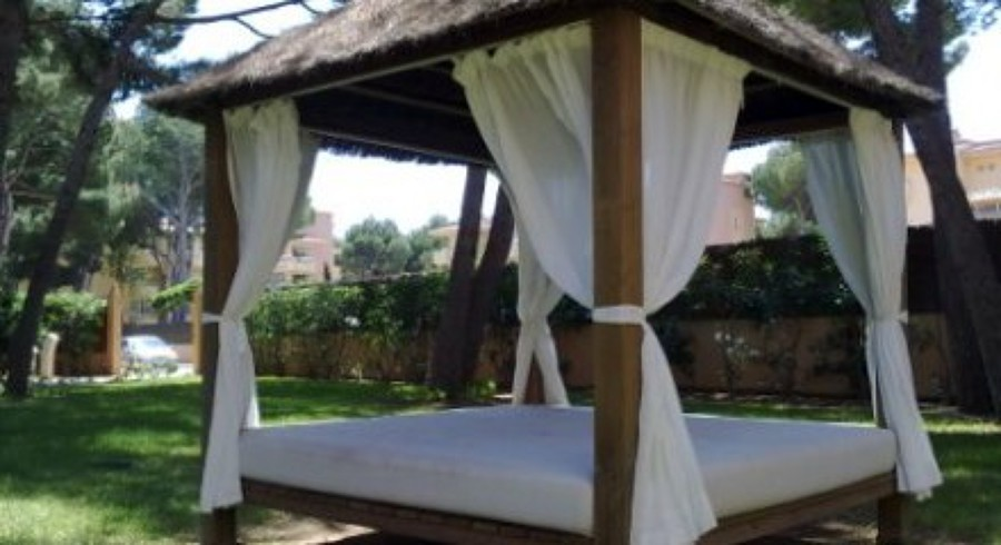 Construimos y cuidamos su jardin ideas jardineros for Pergolas para piscinas