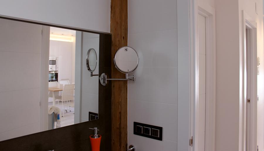 Pilar integrado en el baño