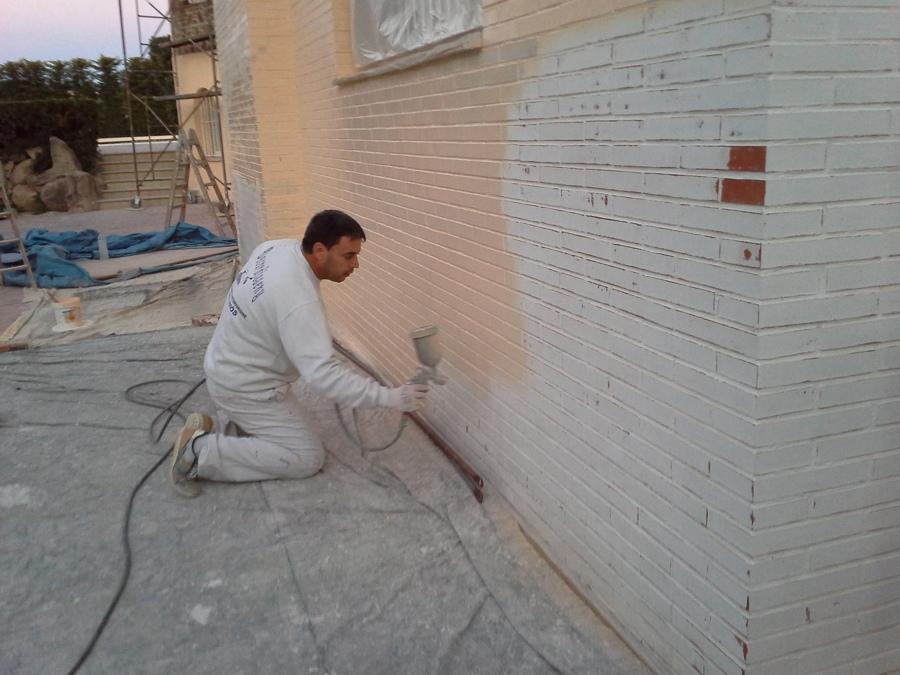 Foto pintado de fachada tipo ladrillo visto de - Fachadas de ladrillo visto ...