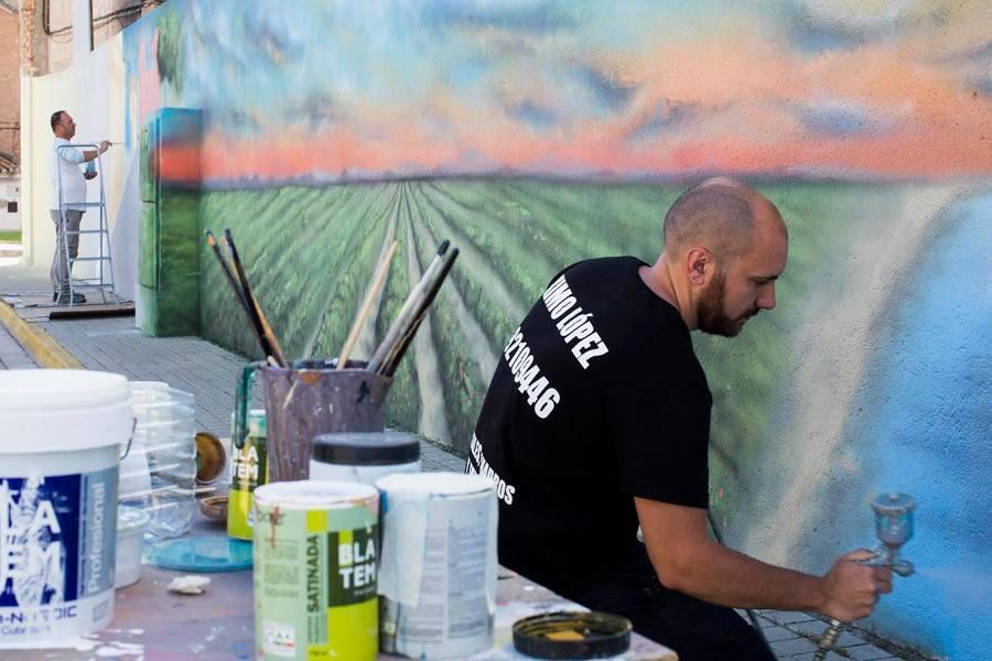 Pintando un mural de 26m