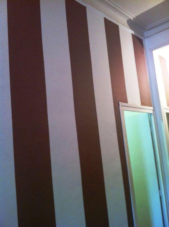 Pintar rayas en una pared blanca ideas pintores - Pintar pared a rayas horizontales ...