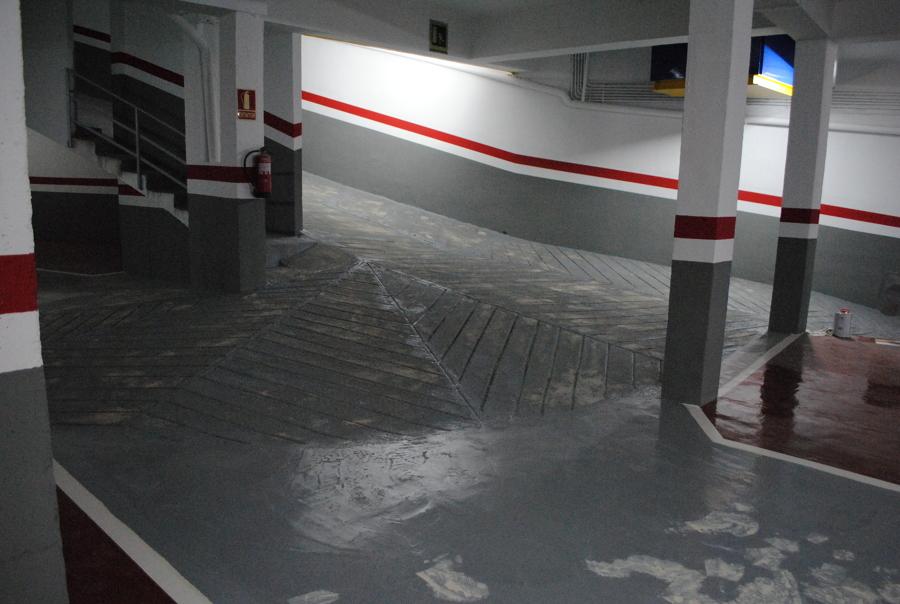Foto pintura del parking de interiores vila s l 1011869 habitissimo - Pintura suelo parking ...