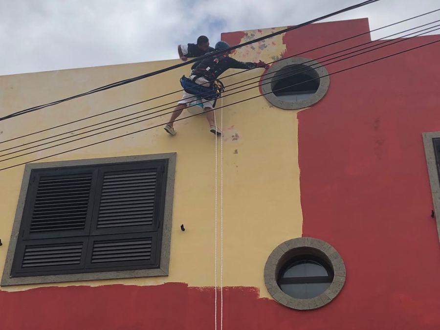 Pintura exterior de fachada trabajo vertical ideas pintores - Pintura fachada exterior ...