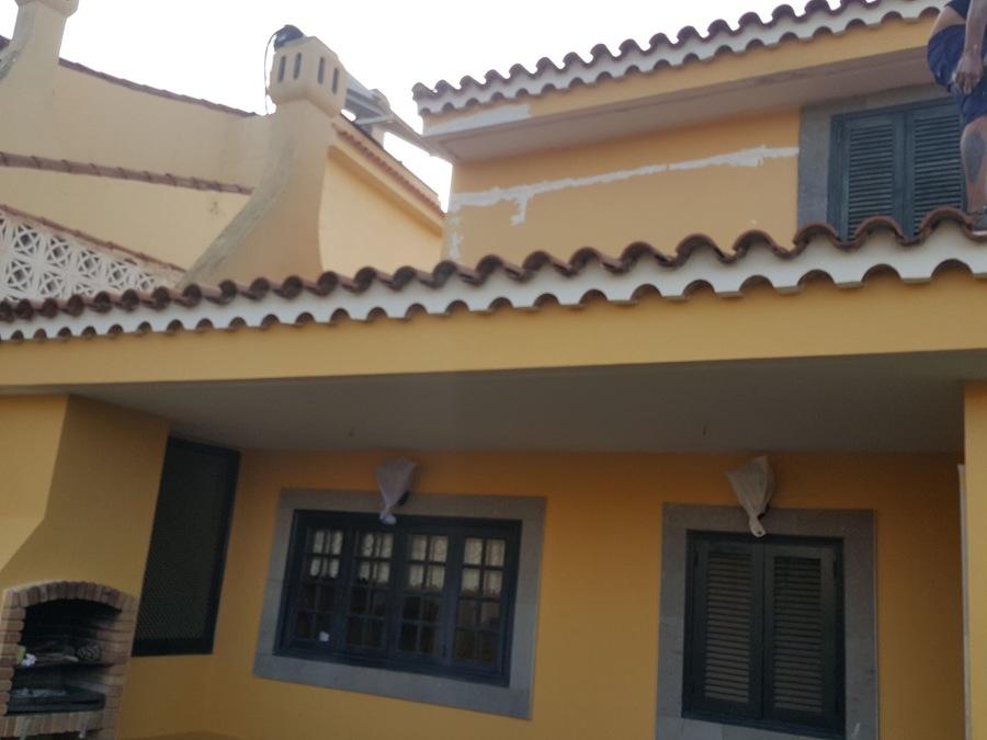 Pintura exterior vivienda terraza barandillas puerta y - Pintura fachada exterior ...