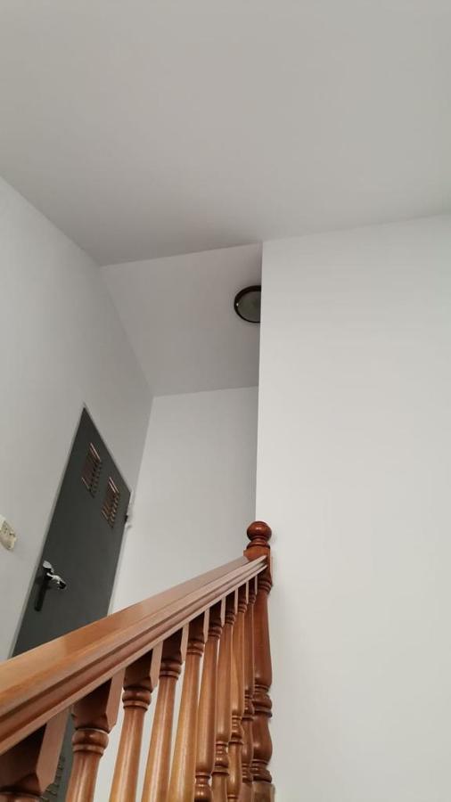 Pintura interior caja de escaleras