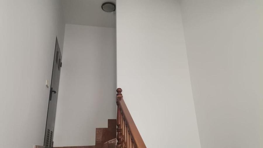 Pintura interior de caja escaleras