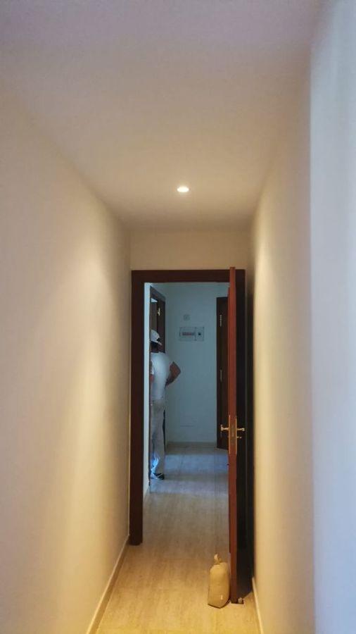 Pintura interior de vivienda pasillo