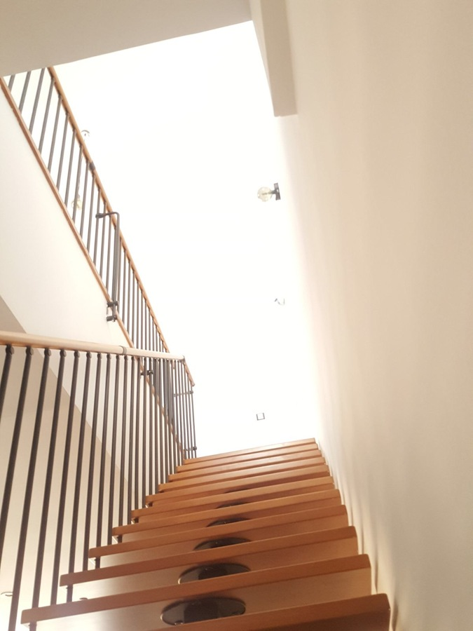 Pintura interior vivienda caja de escalera